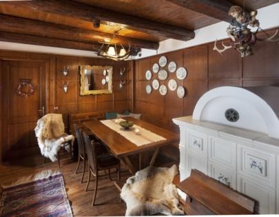 corner suite with dinning room4
